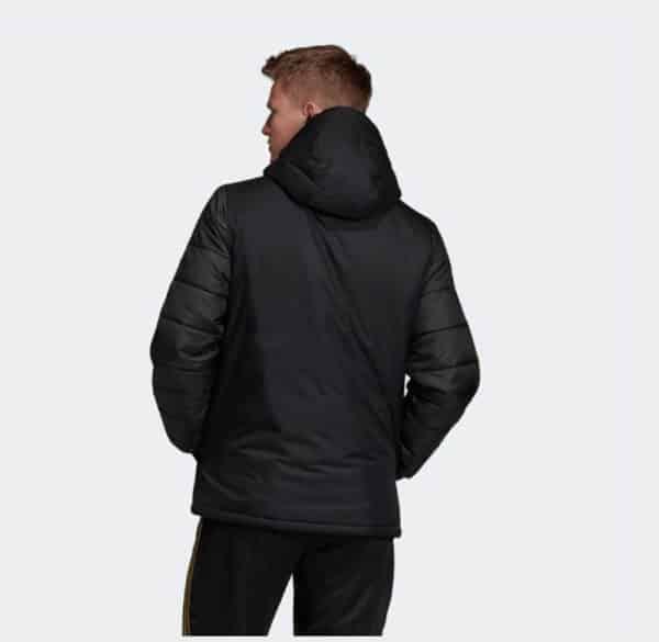 abrigo real madrid replica 2020